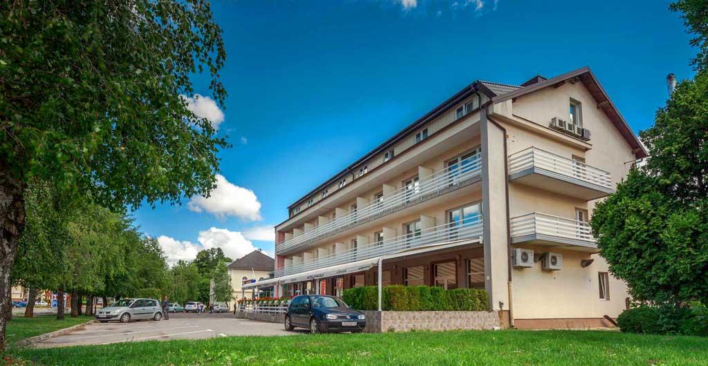 Hotel-Macola-G-01