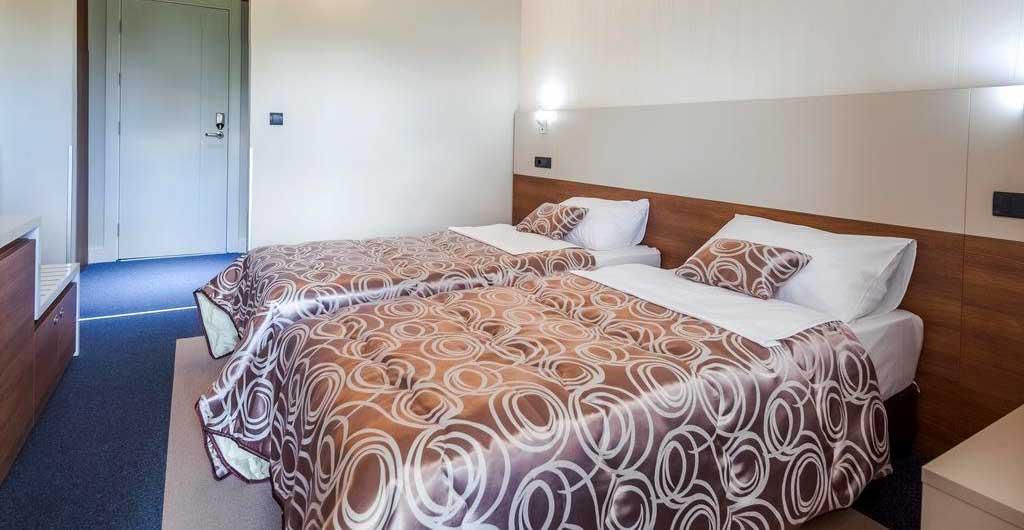 Hotel-Macola-G-10