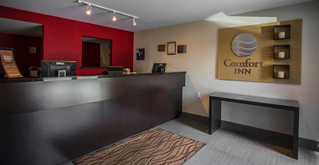 Comfort-Inn-Ottawa-East-01