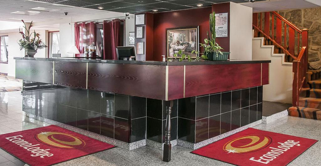 Econo-Lodge-Montreal-Airport-00