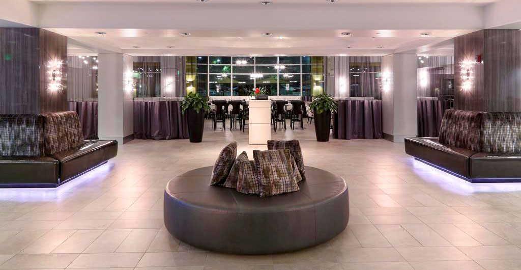 Crowne-Plaza-Hotel-01