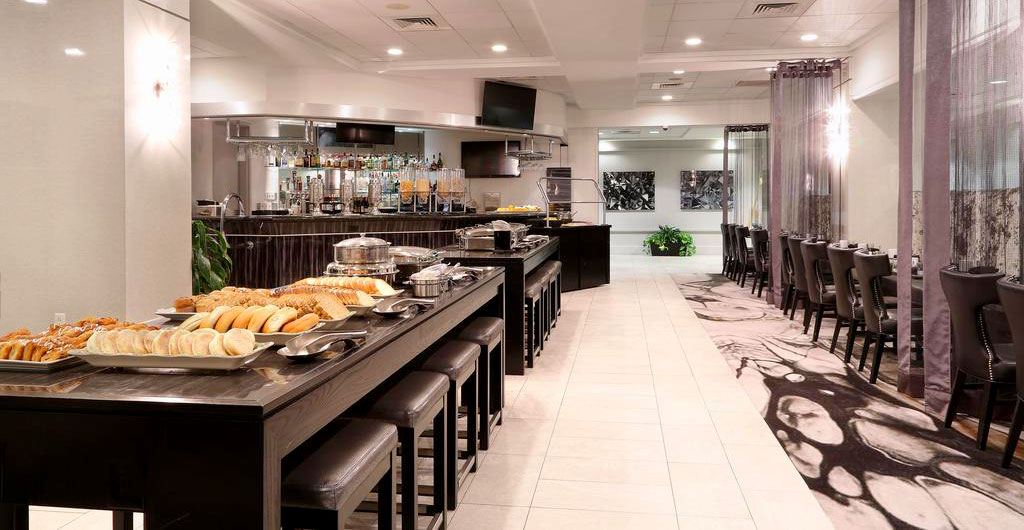 Crowne-Plaza-Hotel-02