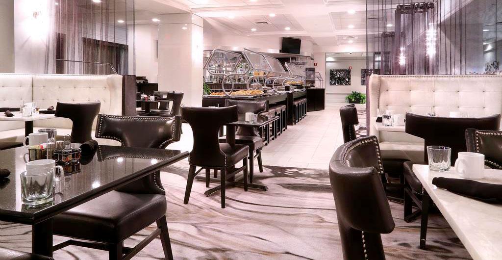 Crowne-Plaza-Hotel-03