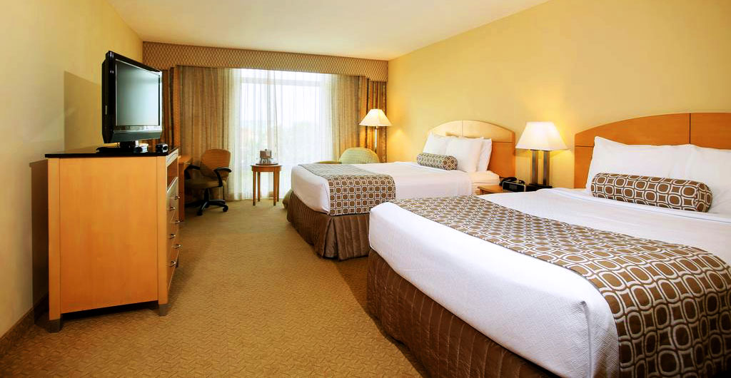Crowne-Plaza-Hotel-05