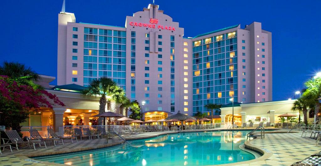 Crowne-Plaza-Hotel-10
