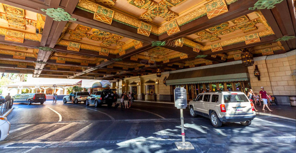 Treasure-Island-Hotel-&-Casino-00