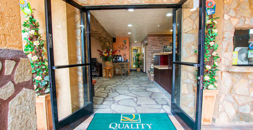 Quality-Inn-&-Suites-Hotel-01