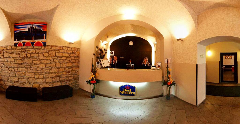 Best-Western-Hotel-Pav-00