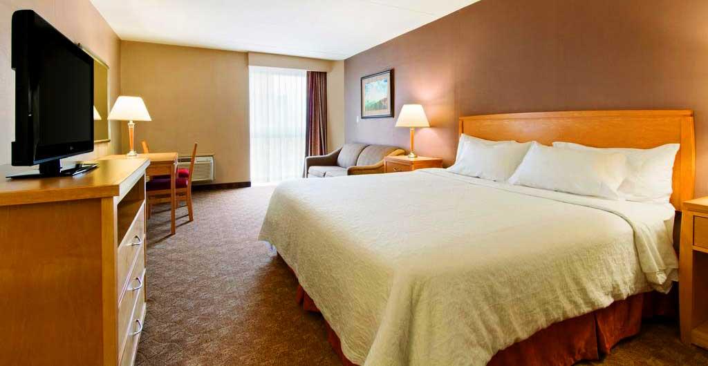 Days-Inn-Hotel-Niagara-Falls-05