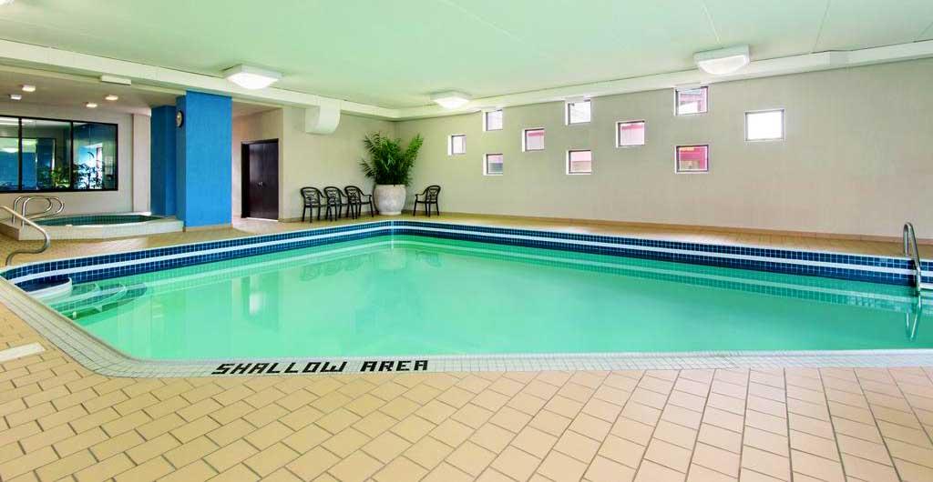 Days-Inn-Hotel-Niagara-Falls-10