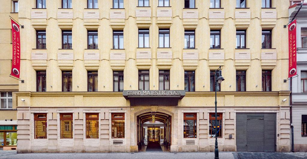 Grand-Majestic-Plaza-Hotel-00