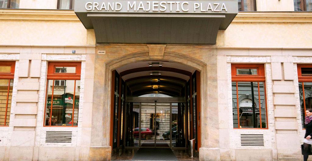 Grand-Majestic-Plaza-Hotel-01