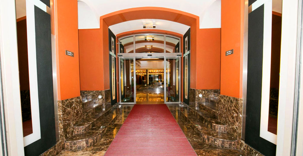 Grand-Majestic-Plaza-Hotel-02