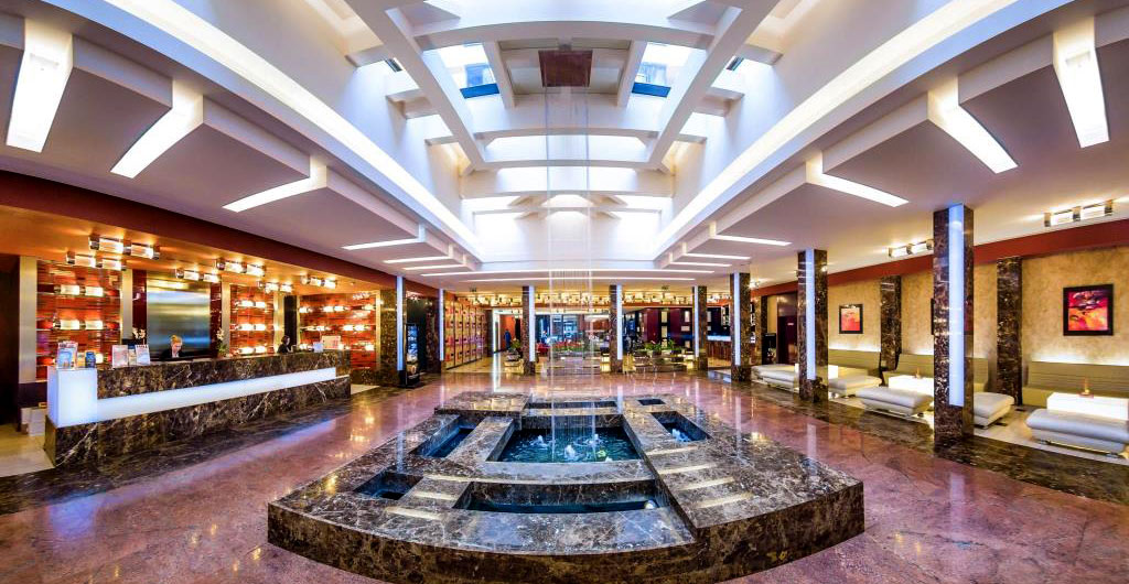 Grand-Majestic-Plaza-Hotel-03