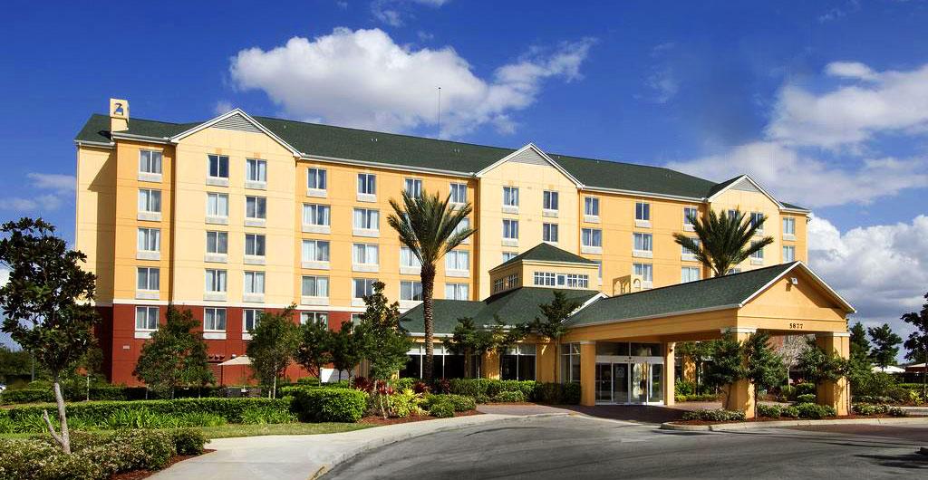 Hilton-Garden-Inn-Hotel-00