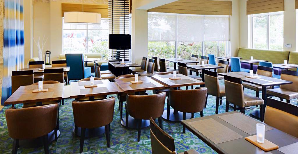 Hilton-Garden-Inn-Hotel-04
