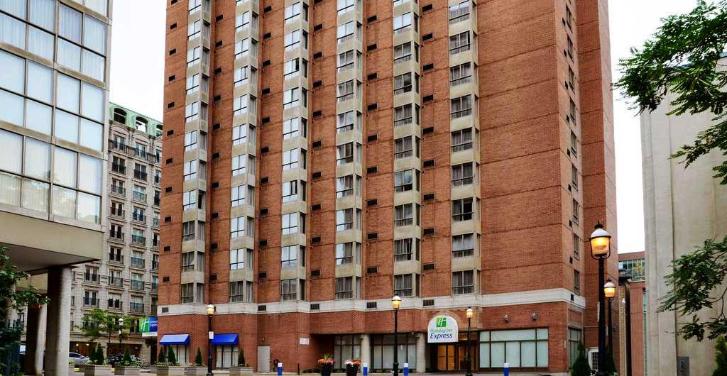 Holiday-Inn-Express-Downtown-Hotel-Toronto-00