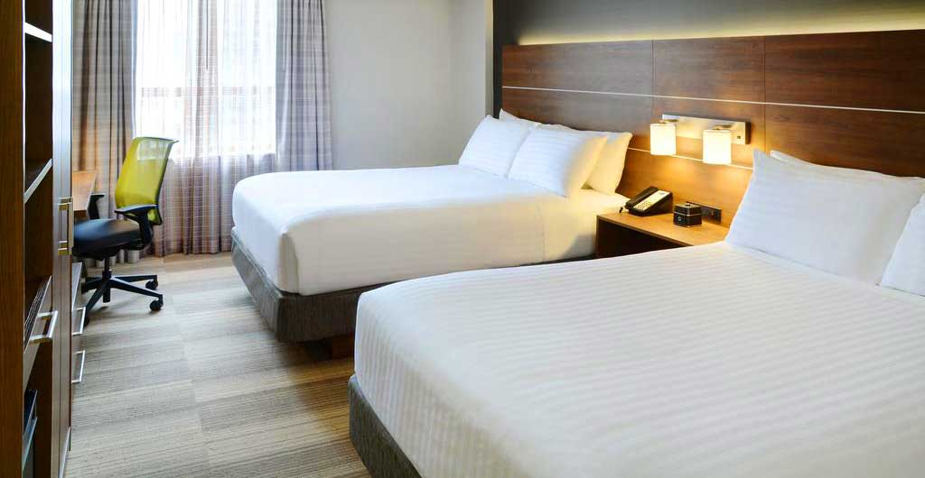 Holiday-Inn-Express-Downtown-Hotel-Toronto-09