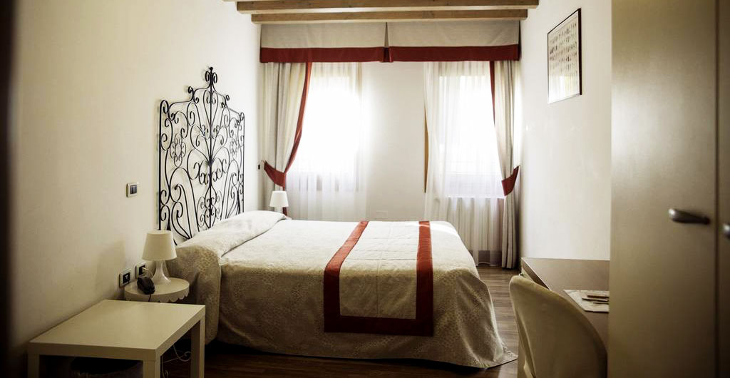 Hotel-Antigo-Trovatore-04