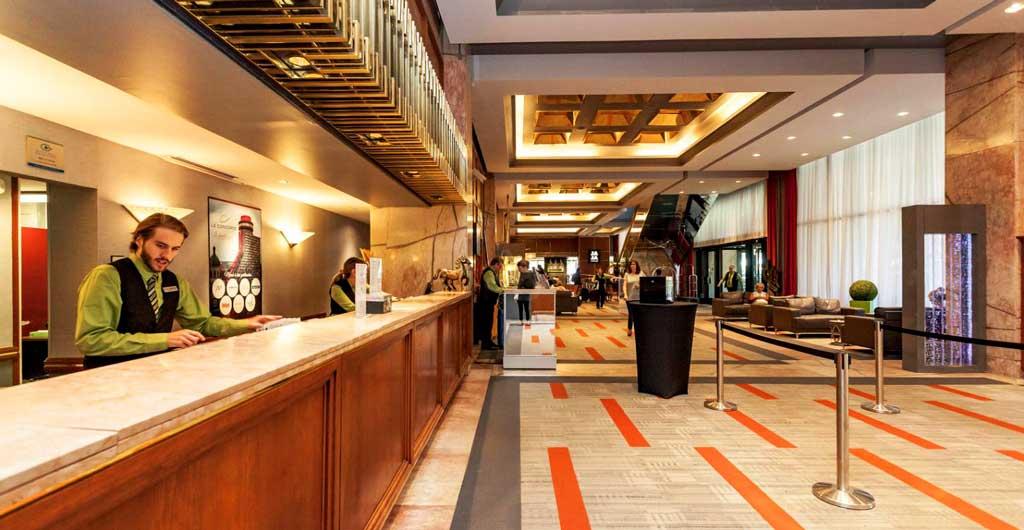 Le-Concorde-Quebec-Hotel-02