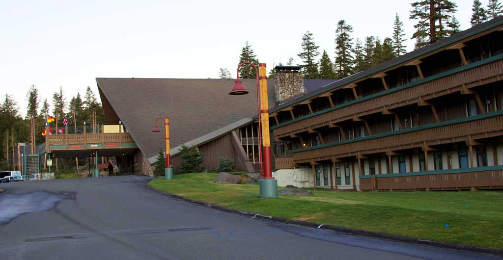 Mammoth-Mountain-Inn-Hotel-00