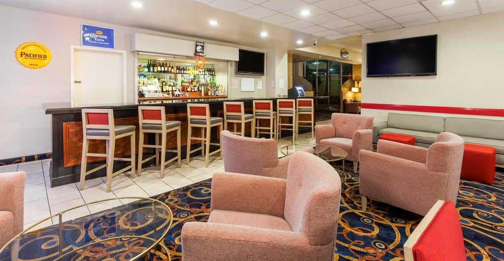 Ramada-Hotel-05