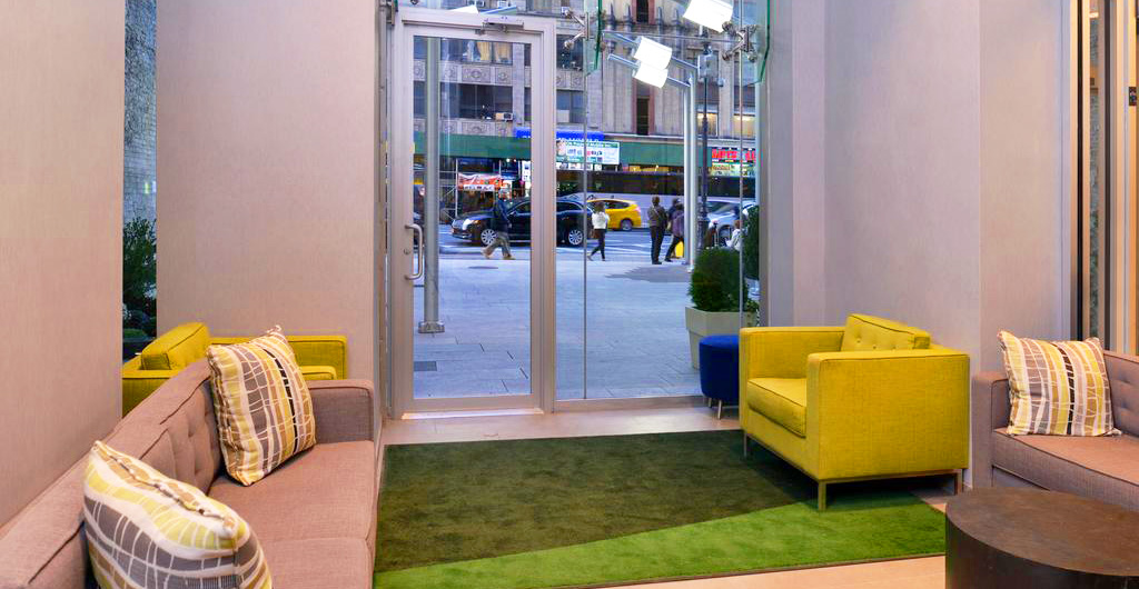 Holiday-Inn-New-York-Times-Square-Hotel-02